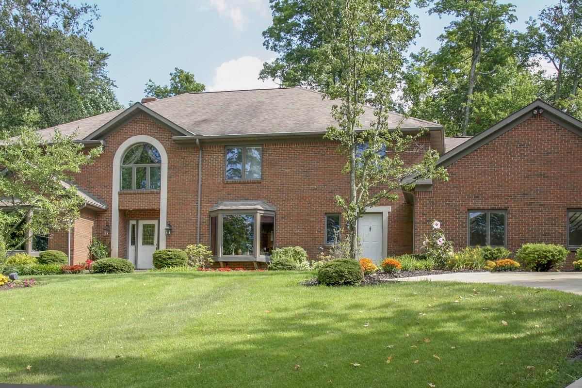 Casa Unifamiliar por un Venta en 1319 Deer Run Road Mansfield, Ohio 44906 Estados Unidos