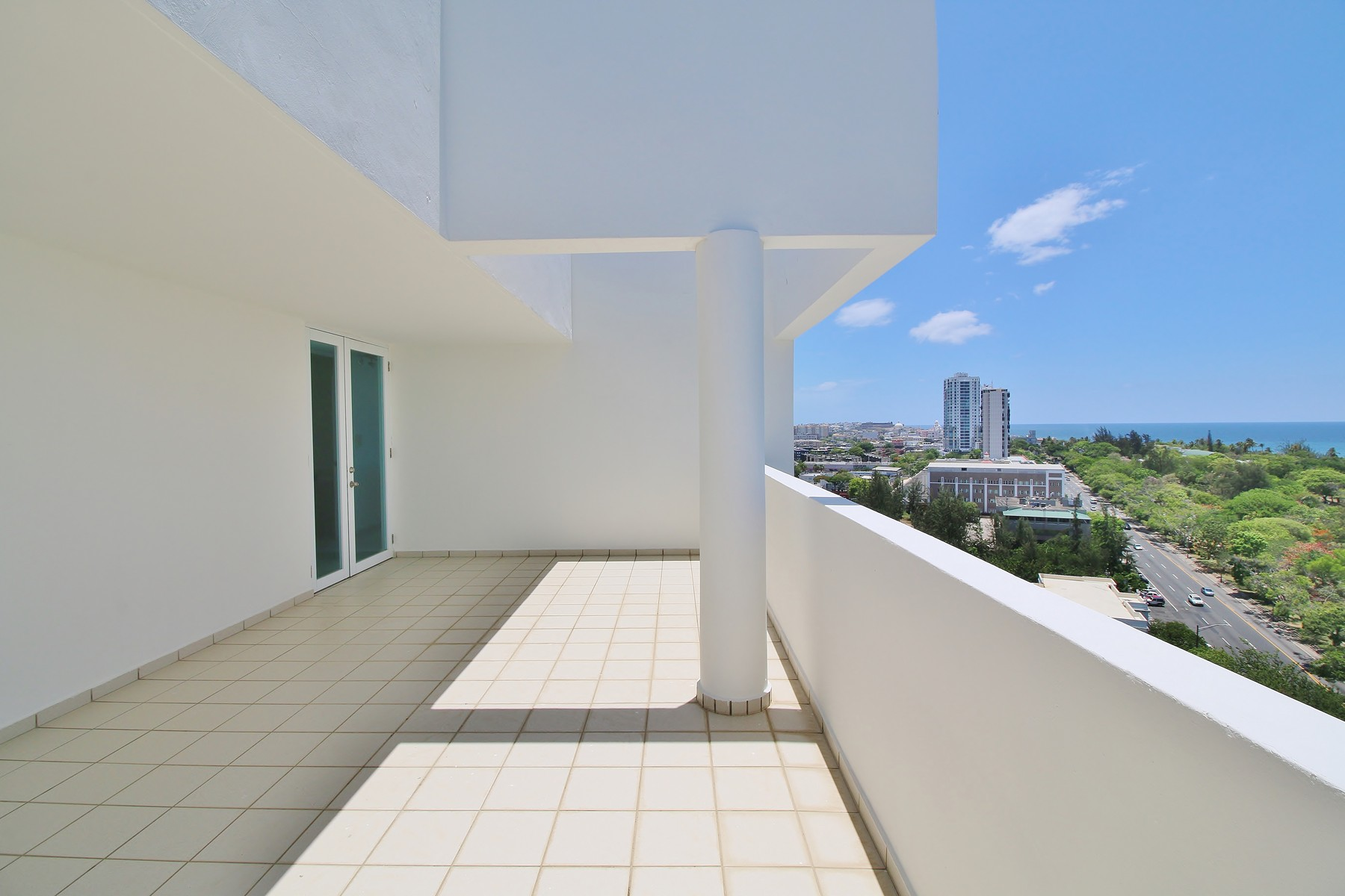 Additional photo for property listing at WeCo Penthouse Millenium Plaza 1602 Fernandez Juncos Avenue San Juan, Puerto Rico 00901 Puerto Rico