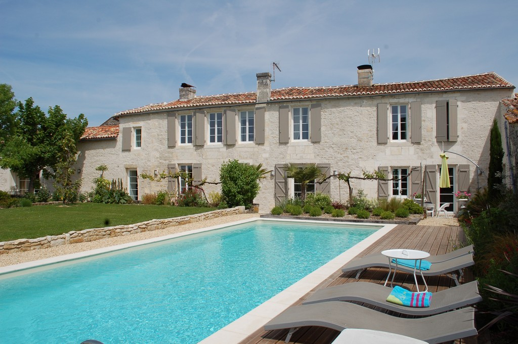 Other Residential for Sale at LOGIS Other Poitou-Charentes, Poitou-Charentes 16290 France