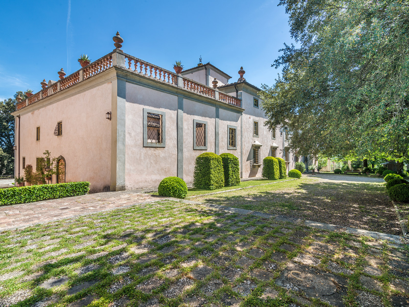 Property For Sale at Extraordinary Villa near Florence