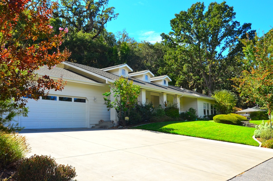sales property at Beautiful 4 Bedroom Wine Country Estate