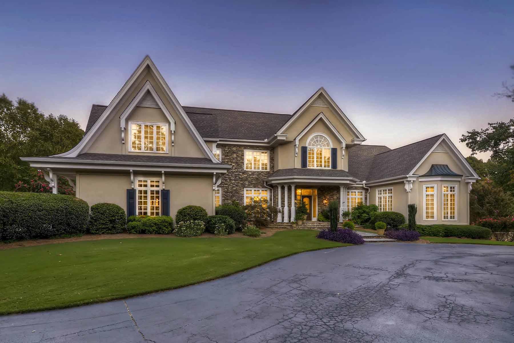 Casa Unifamiliar por un Venta en Elegant European Custom Home 10635 Nellie Brook Court Johns Creek, Georgia, 30097 Estados Unidos