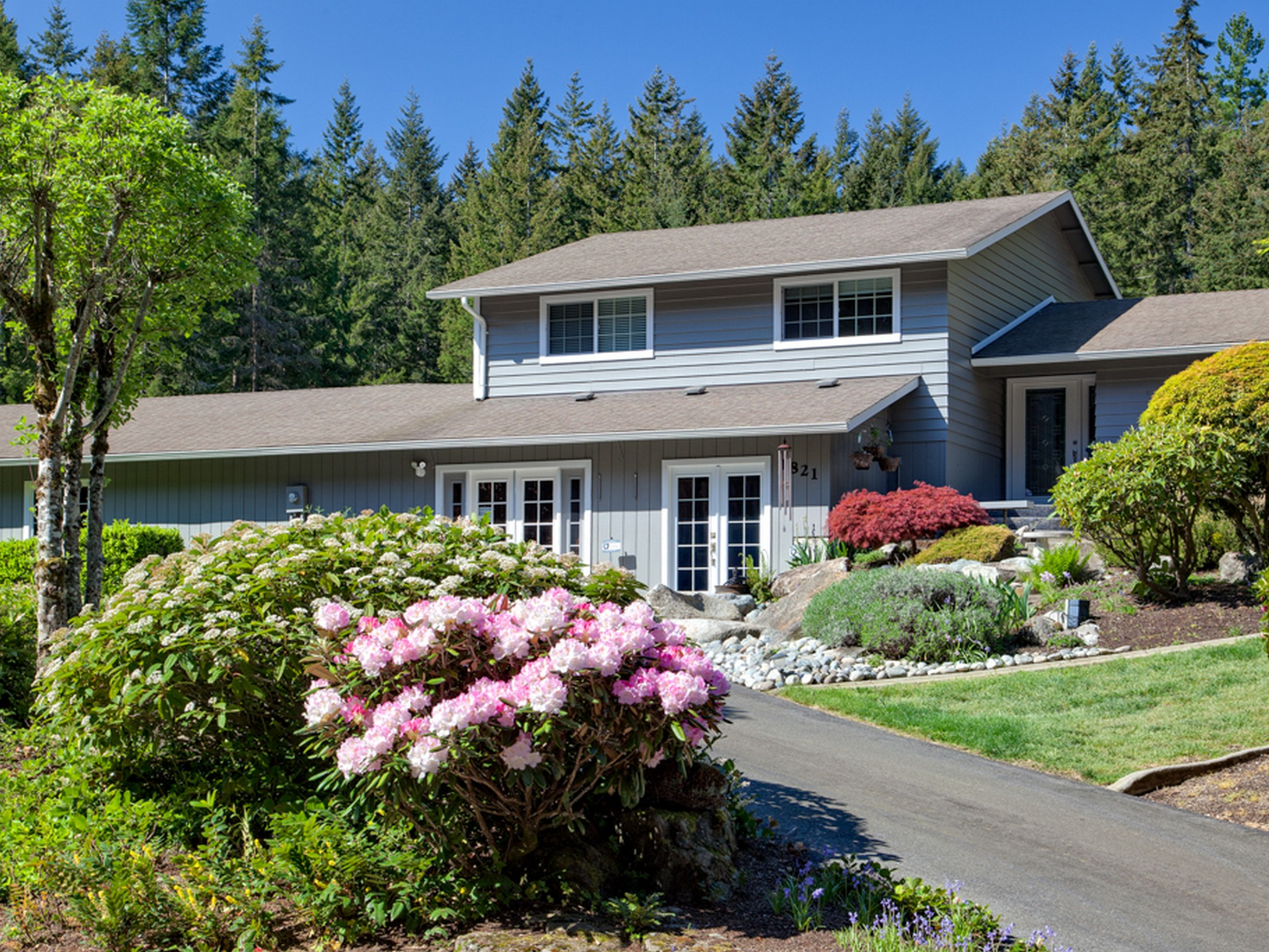 Single Family Home for Sale at Fabulous Remodeled Poulsbo Home 1826 NW Ponderosa Place Poulsbo, Washington 98370 United States