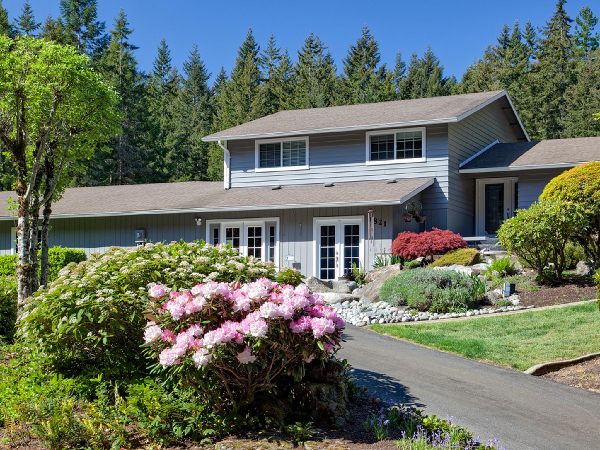 Casa Unifamiliar por un Venta en Fabulous Remodeled Poulsbo Home 1826 NW Ponderosa Place Poulsbo, Washington, 98370 Estados Unidos