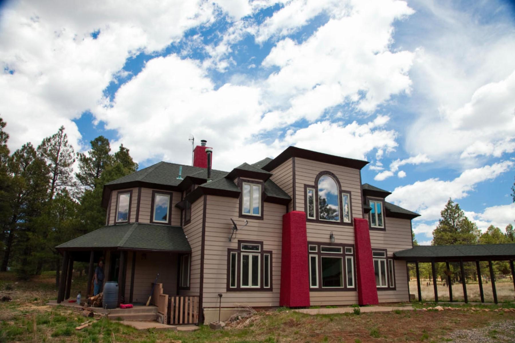 Vivienda unifamiliar por un Venta en Completely remodeled one-of-a-kind luxury custom home 1970 E Y X Ranch Rd Flagstaff, Arizona 86001 Estados Unidos