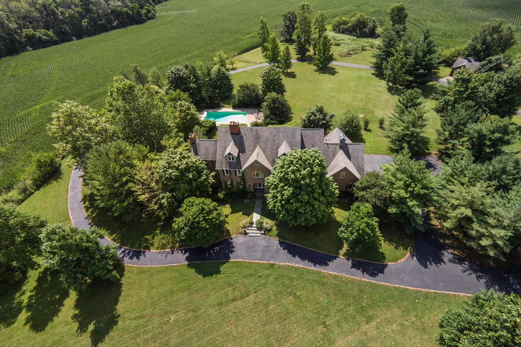 Casa Unifamiliar por un Venta en Complete Tranquility 1567 N 1000 E Sheridan, Indiana, 46069 Estados Unidos