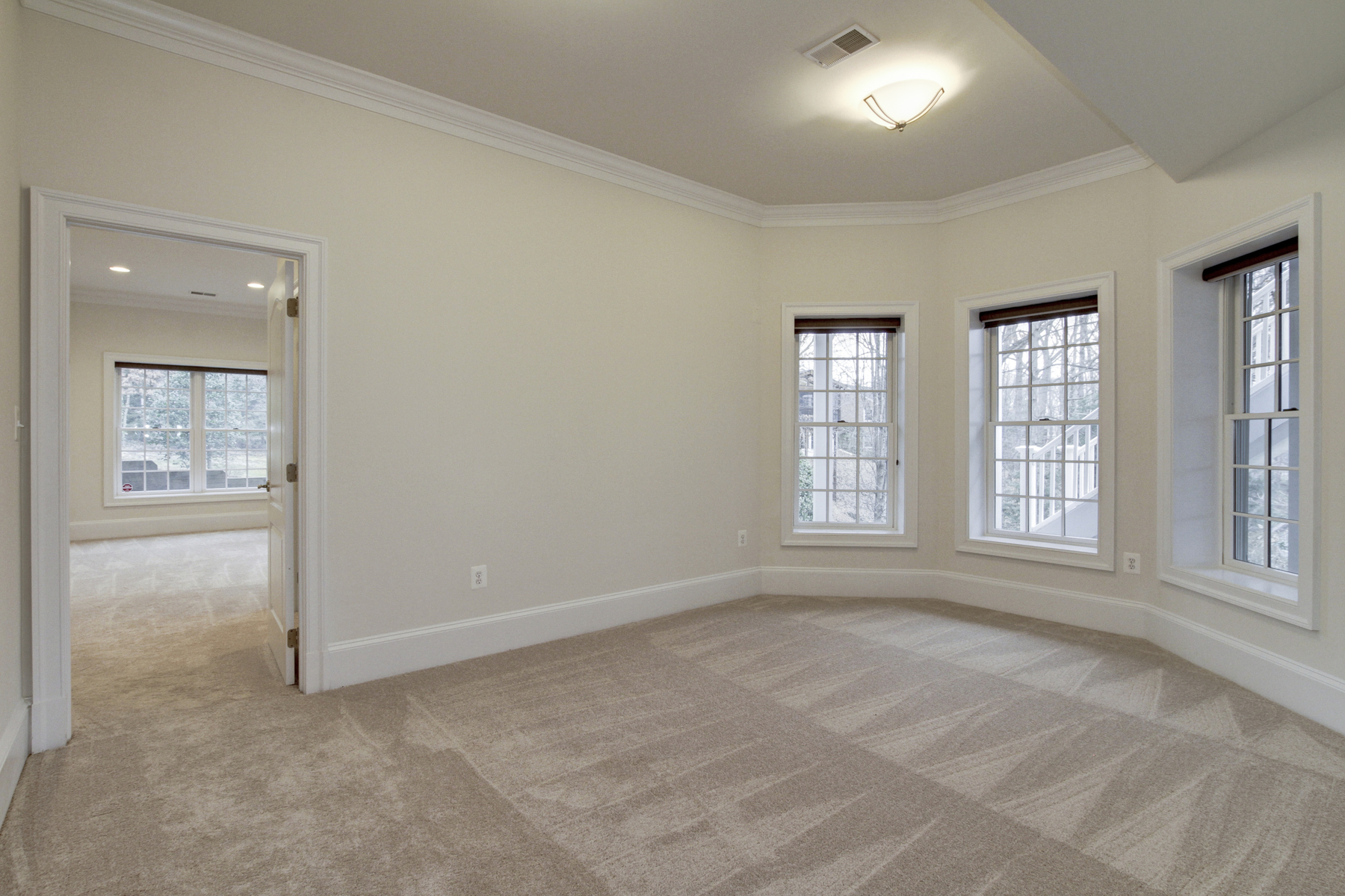 Additional photo for property listing at Bellevue Forest 3133 Piedmont Street N Arlington, Виргиния 22207 Соединенные Штаты