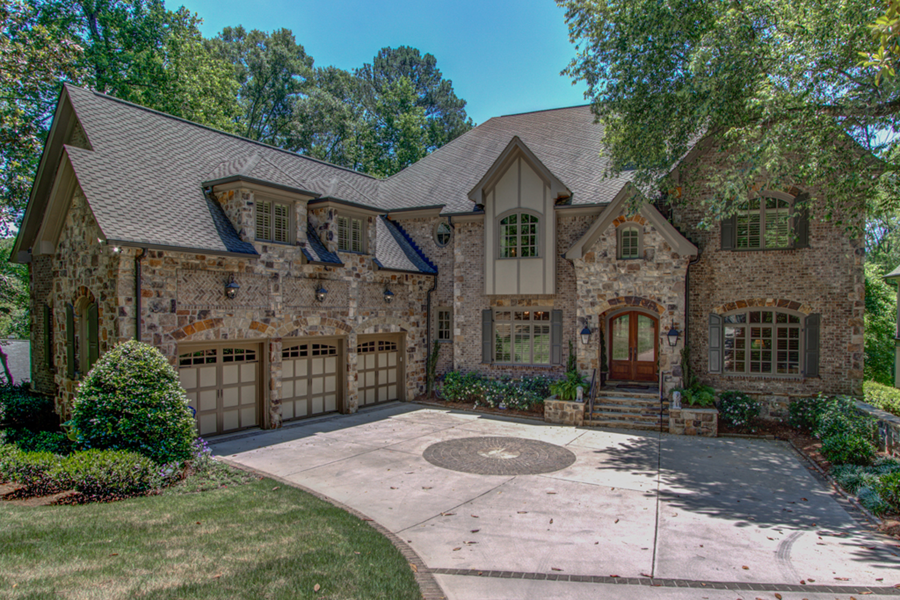 Single Family Home for Active at Gorgeous Home In Chastain Park On Almost An Acre 362 Hillside Drive NW Atlanta, Georgia 30342 United States