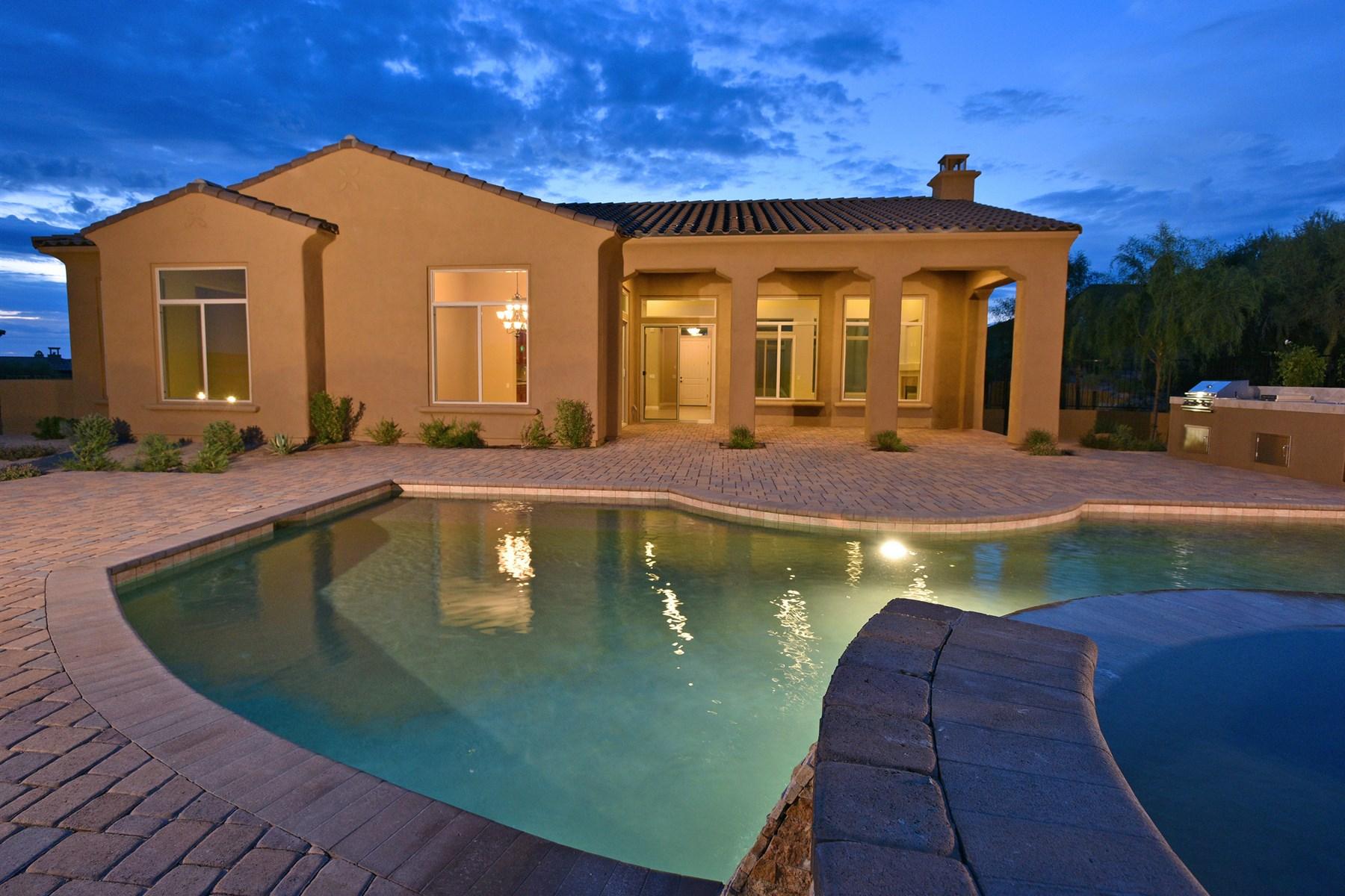 단독 가정 주택 용 매매 에 Luxury home located in the gated Scottsdale community of Mirabel Village. 37231 N 110TH ST Scottsdale, 아리조나 85262 미국
