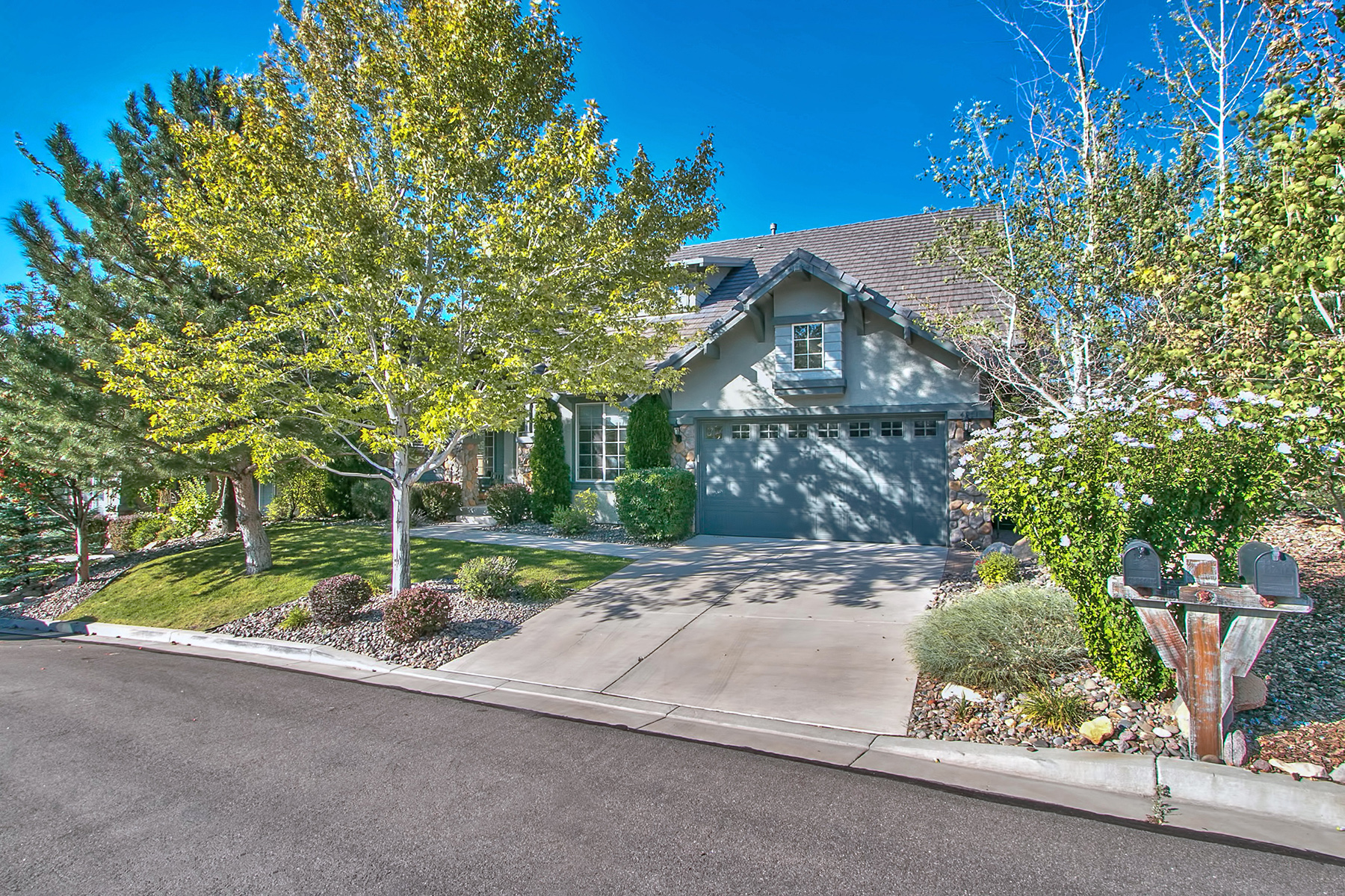 Single Family Home for Sale at 4951 Fall Creek Court Reno, Nevada 89519 United States
