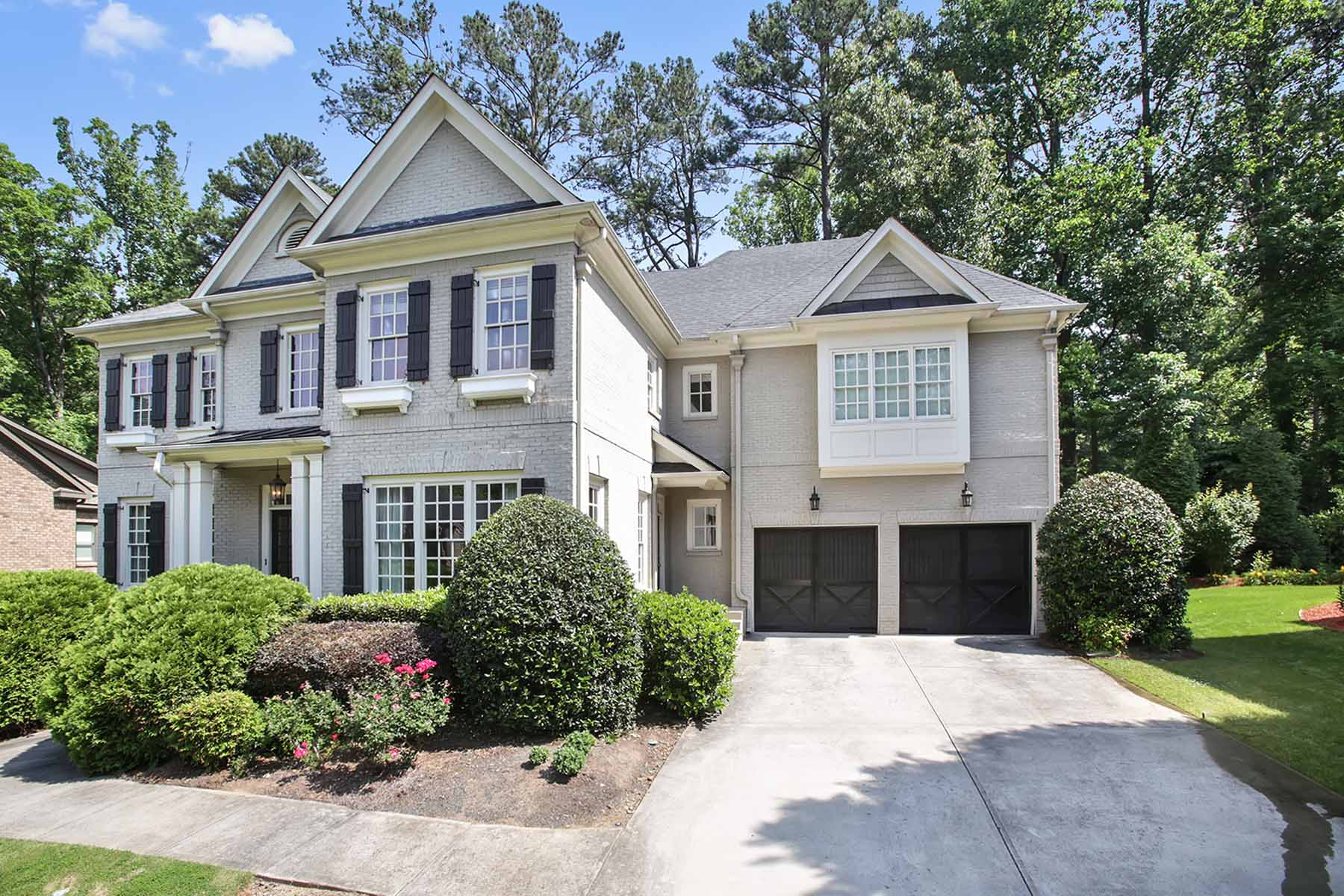 Single Family Home for Active at Excellent Executive Home 1712 Logans Knoll NE Atlanta, Georgia 30329 United States