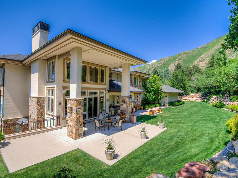 Property Of Fabulous Mt Olympus Craftsman