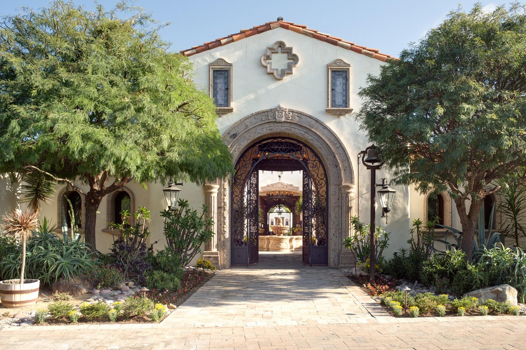 Kiểu Hacienda / Kiểu Estancia / Đồn điền vì Bán tại 6900 Via Del Charro Rancho Santa Fe, California, 92067 Hoa Kỳ