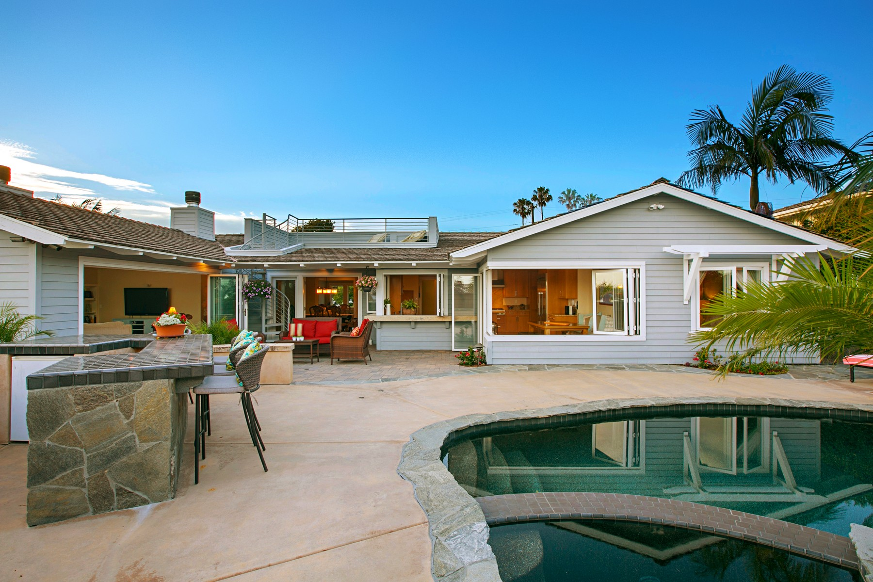 Additional photo for property listing at 1035 Newkirk Drive  La Jolla, California 92037 Estados Unidos