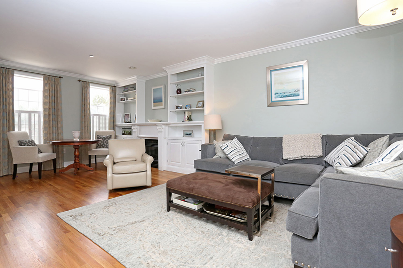 Condominio por un Venta en Rare Constitution Road Offering 62 Constitution Way Unit 62 Charlestown, Boston, Massachusetts 02129 Estados Unidos
