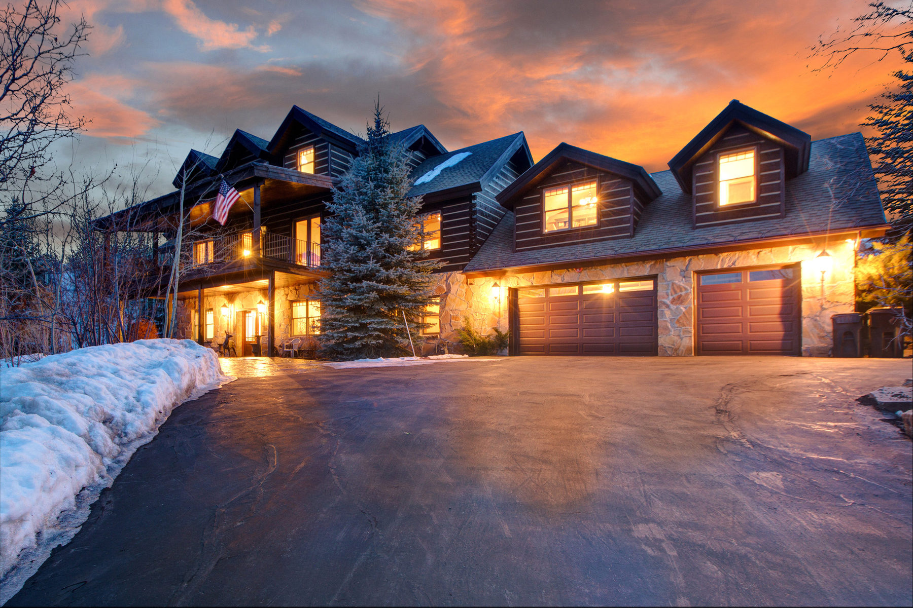 Villa per Vendita alle ore Spectacular Views in this Gated Hideaway 9197 Canyon View Dr Park City, Utah 84098 Stati Uniti