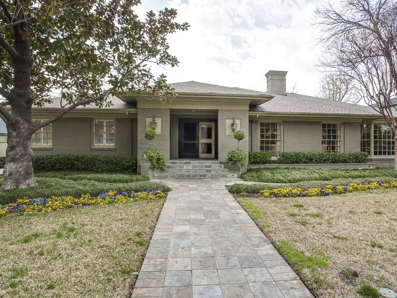 Single Family Home for Sale at Shannon Estates Traditional 6711 Robin Road Dallas, Texas 75209 United States