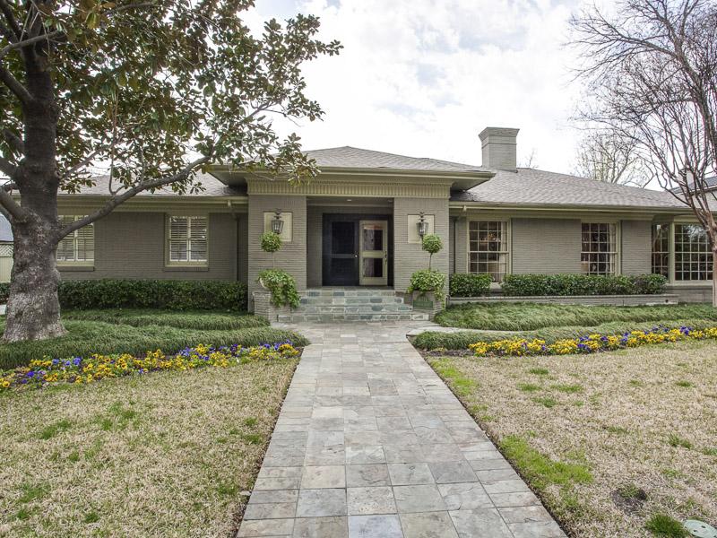 Casa Unifamiliar por un Venta en Shannon Estates Traditional 6711 Robin Road Dallas, Texas 75209 Estados Unidos
