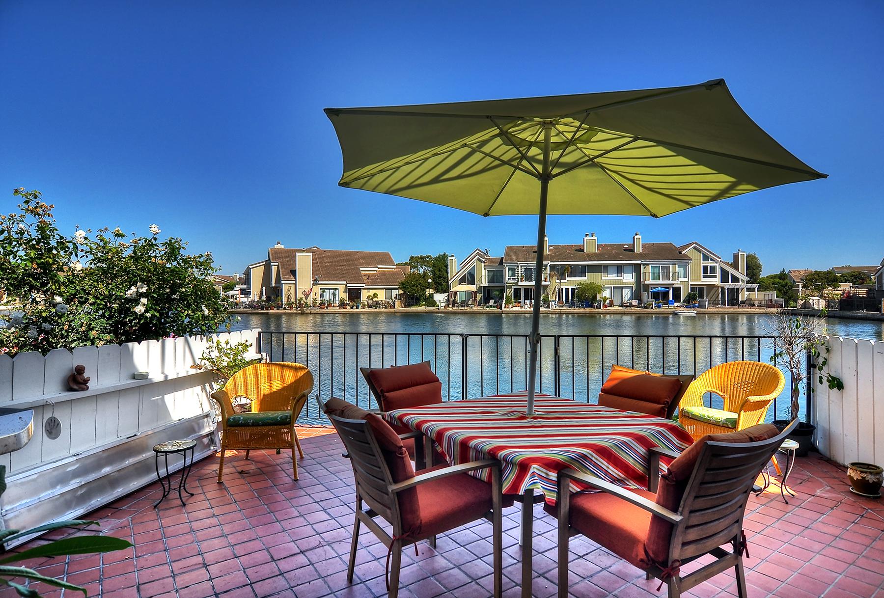 타운하우스 용 매매 에 16110 Tortola Cr Huntington Beach, 캘리포니아 92649 미국