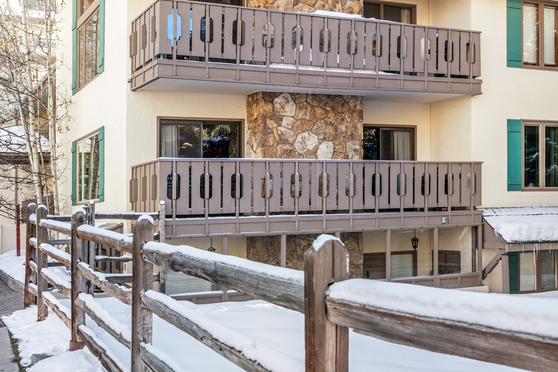 Additional photo for property listing at Riva Ridge North #625 133 Willow Bridge Road #18 Vail, Colorado 81657 United States