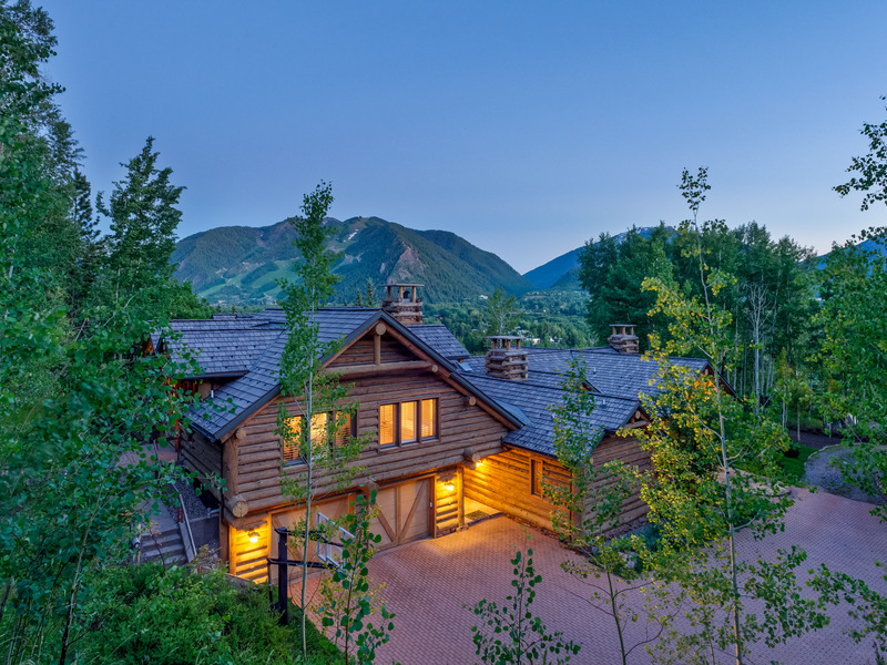 Casa Unifamiliar por un Venta en Aspen's Desirable Willoughby Way - Red Mountain 1099 Willoughby Way Aspen, Colorado 81611 Estados Unidos