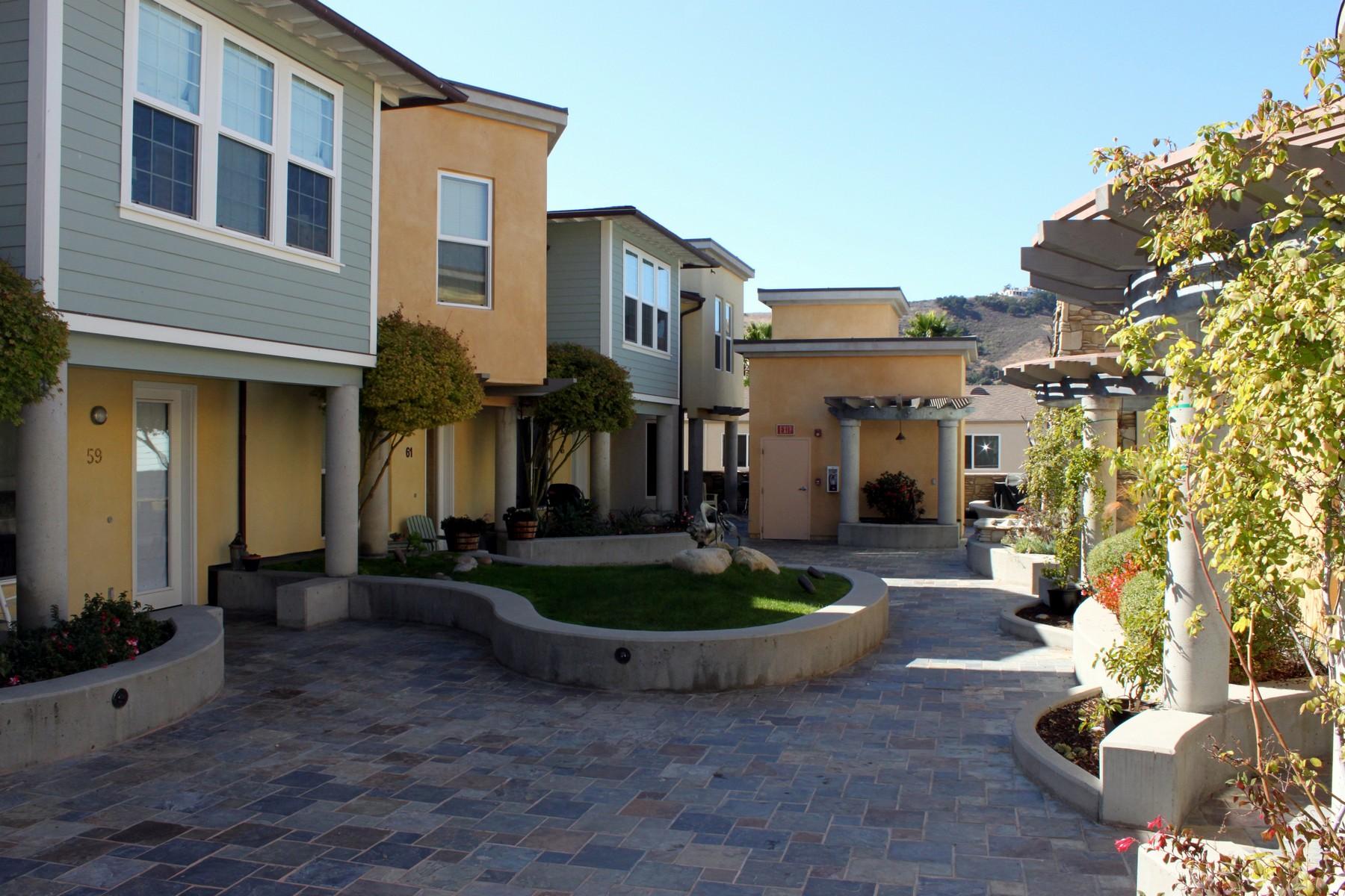 Condomínio para Venda às Fabulous Avila Beach Condo 69 San Miguel Avila Beach, Califórnia, 93424 Estados Unidos