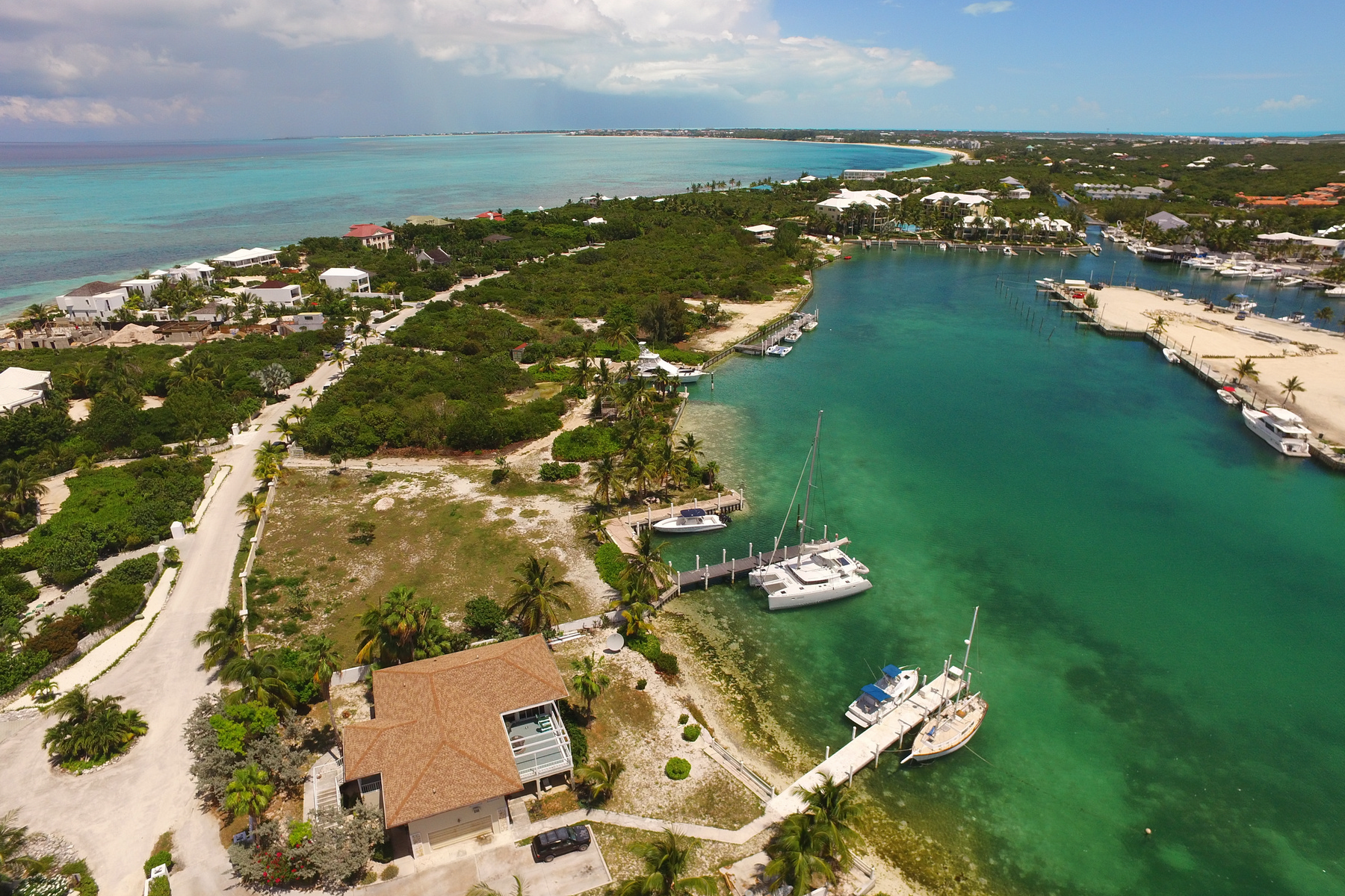 Additional photo for property listing at Turtle Cove Marina Waterfront  Turtle Cove, Providenciales TCI Turks And Caicos Islands