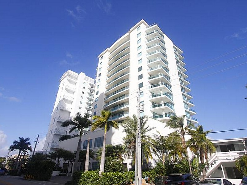 Nhà chung cư vì Bán tại 7935 East Dr. #602 North Bay Village, Florida 33141 Hoa Kỳ