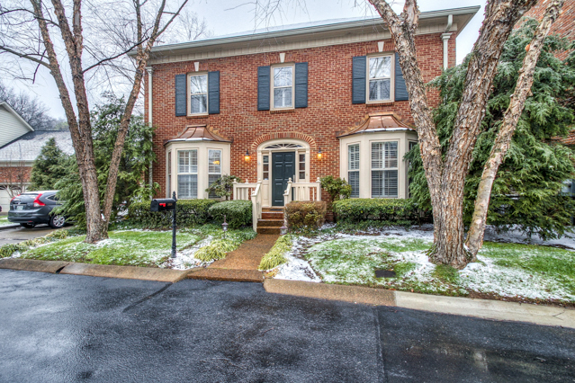 Single Family Home for Sale at Renovated Green Hills Home 3616 Bowlingate Lane Nashville, Tennessee 37215 United States