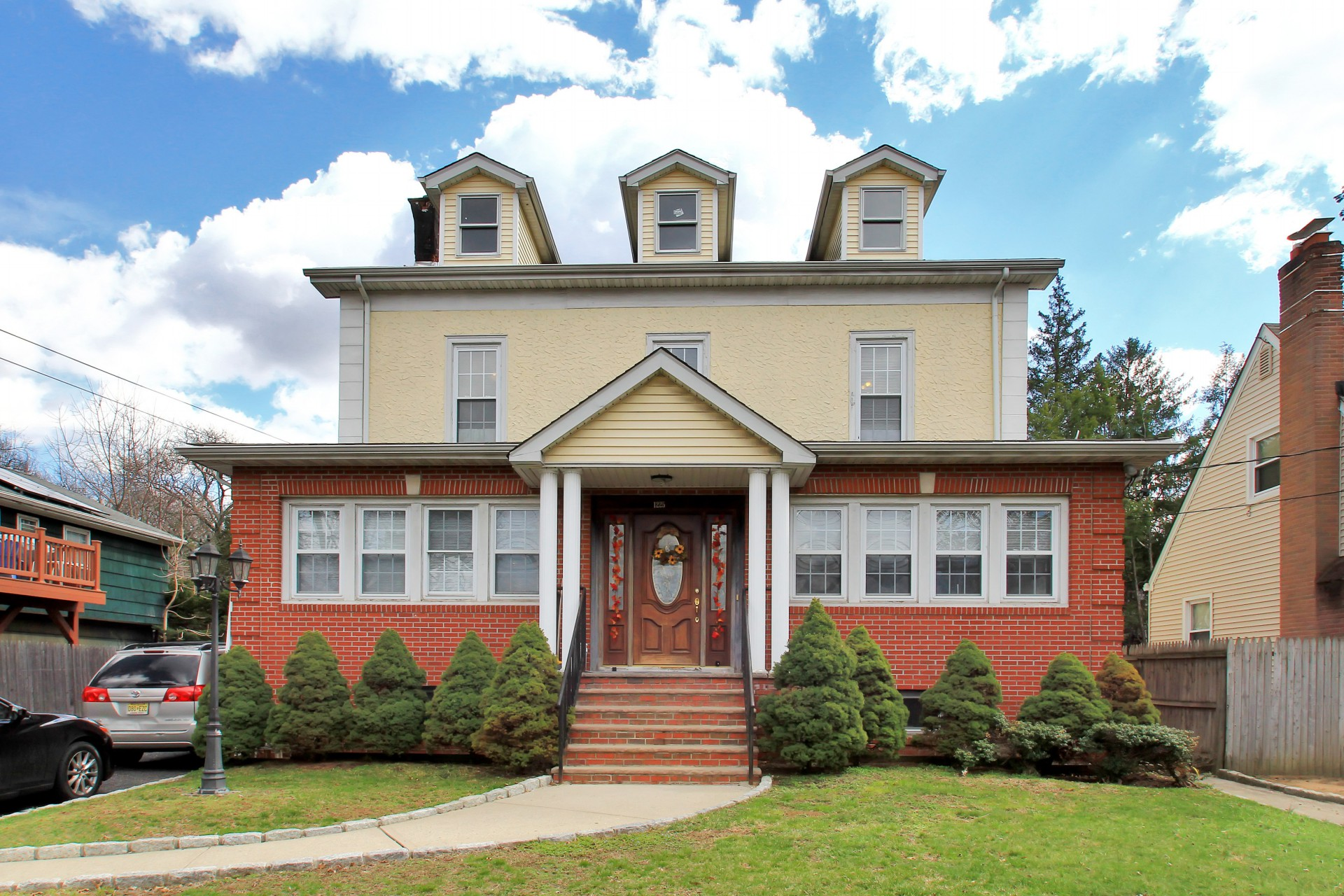 Single Family Home for Sale at Updated Colonial 1225 River Rd Teaneck, 07666 United States