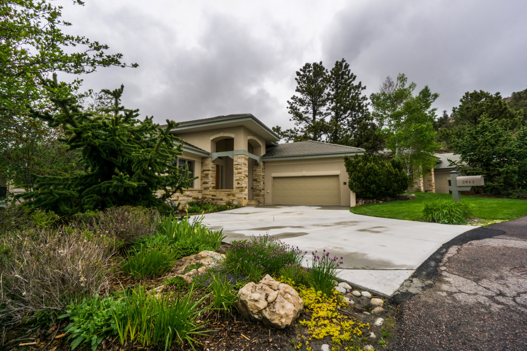 Single Family Home for Sale at 2913 Fairway View Ct 2913 Fairway View Ct. Castle Pines Village, Castle Rock, Colorado 80108 United States