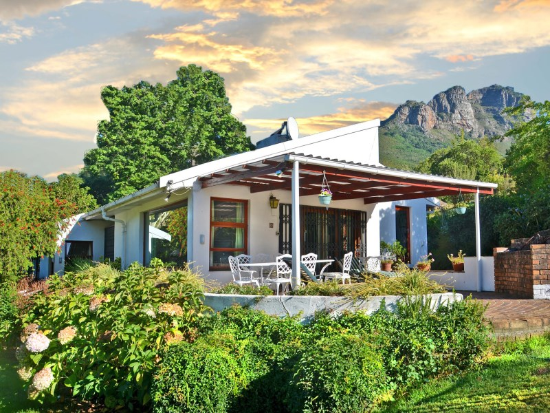 Ферма / ранчо / плантация для того Продажа на Secluded Mountain Retreat Stellenbosch, Западно-Капская Провинция 7600 Южная Африка