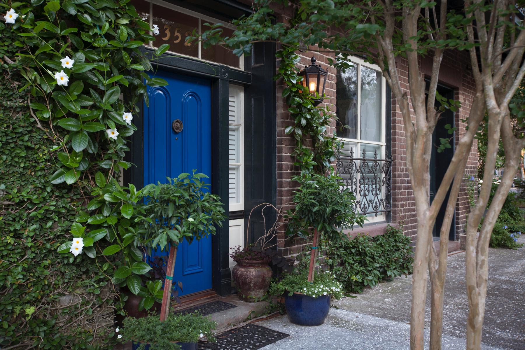 Maison unifamiliale pour l Vente à 352 Lincoln St. 352 Lincoln Street Savannah, Georgia, 31401 États-Unis