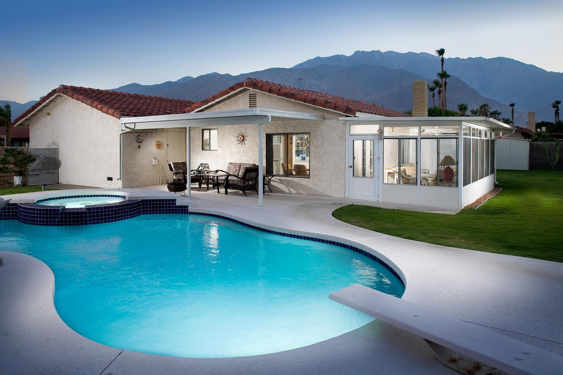 Villa per Vendita alle ore 1330 East Rosarito Way Palm Springs, California, 92262 Stati Uniti
