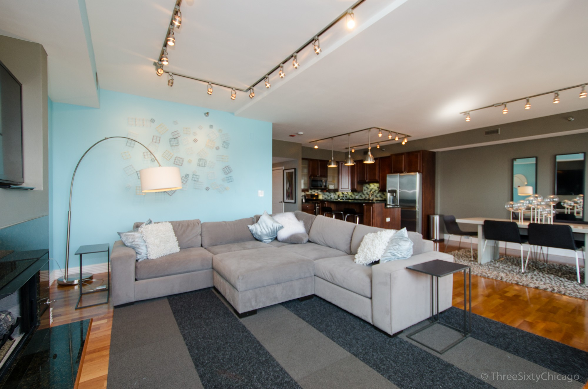Condominium for Sale at BUENA POINTE 4350 N Broadway Street Unit 1007 Chicago, Illinois, 60613 United States