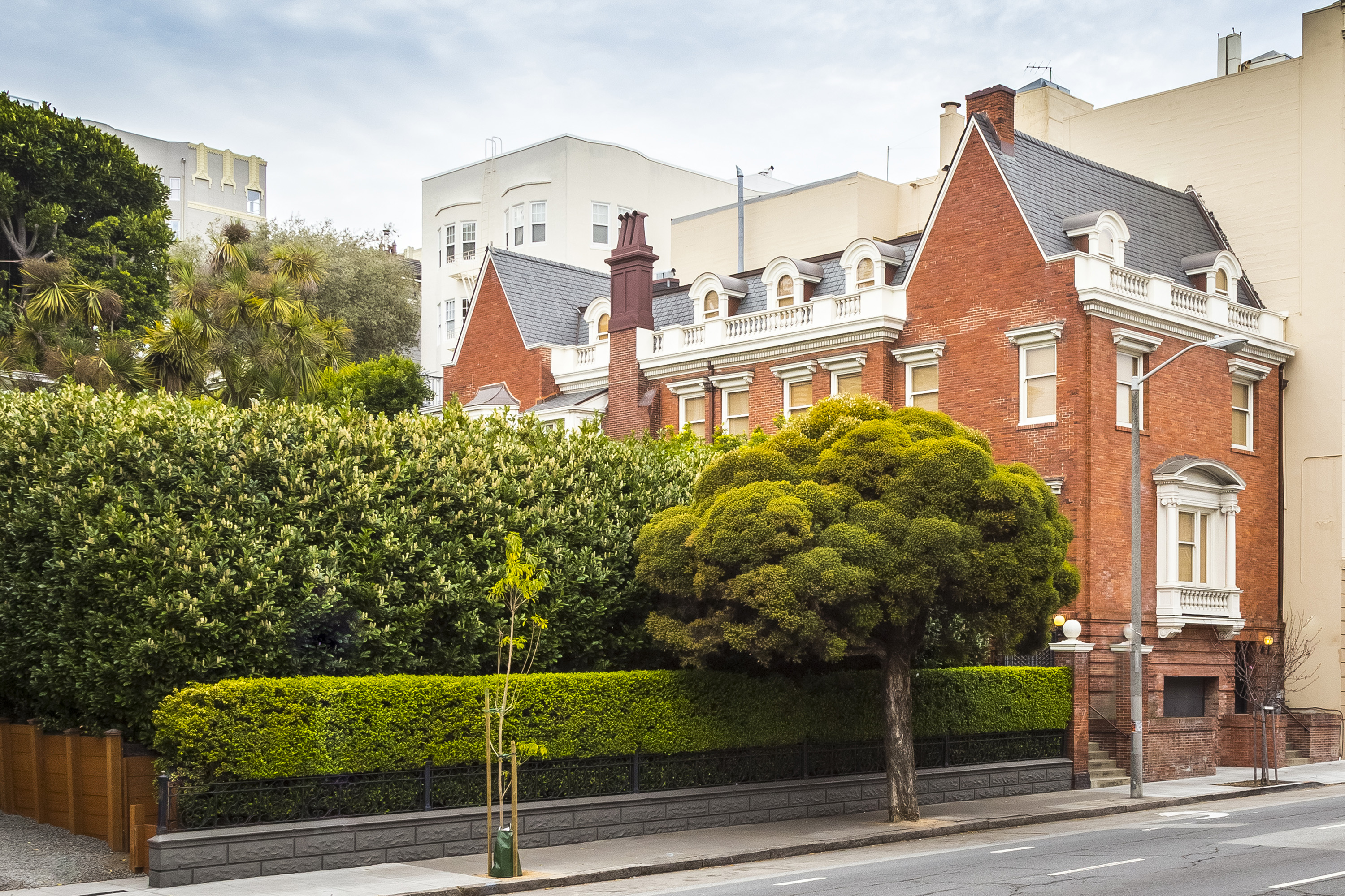 Single Family Home for Sale at Pacific Heights Landmark Mansion 1735 Franklin Street San Francisco, California 94109 United States