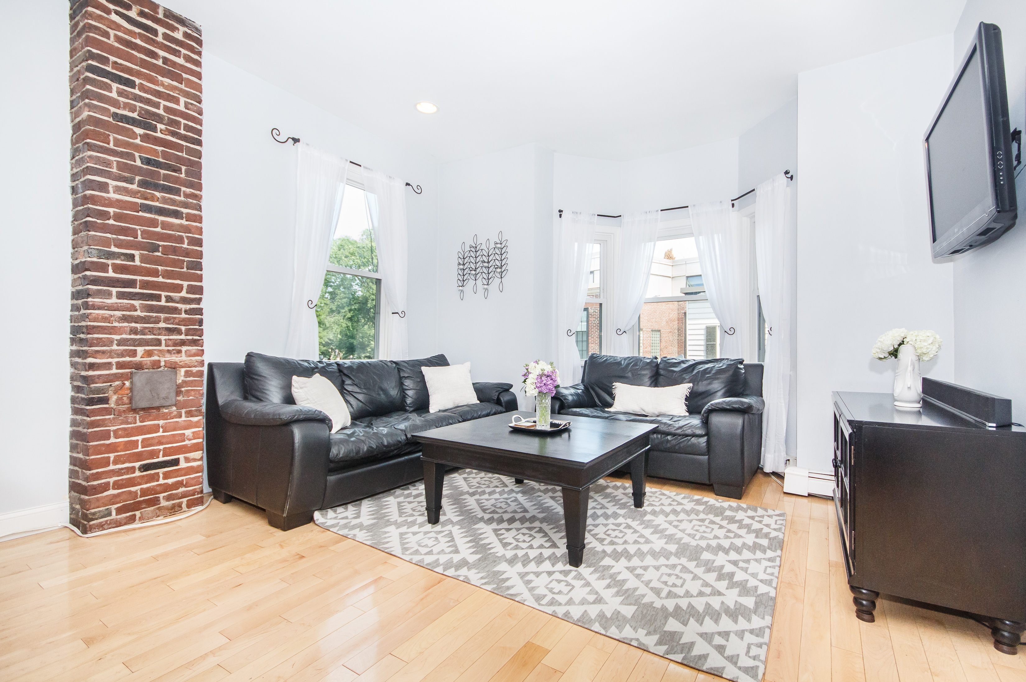 sales property at 12 Washington - Unit 2