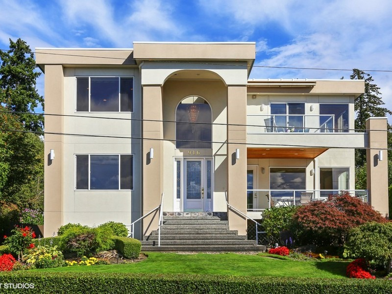 Single Family Home for Sale at Stunning Contemporary In Heart of Kirkland 916 2nd Street S Kirkland, Washington 98033 United States
