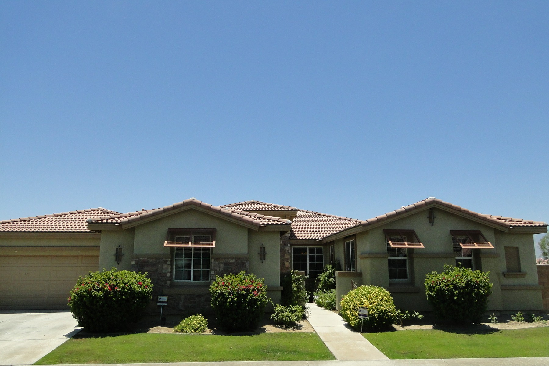 Single Family Home for Sale at 82807 Vincent Drive Indio, California 92203 United States
