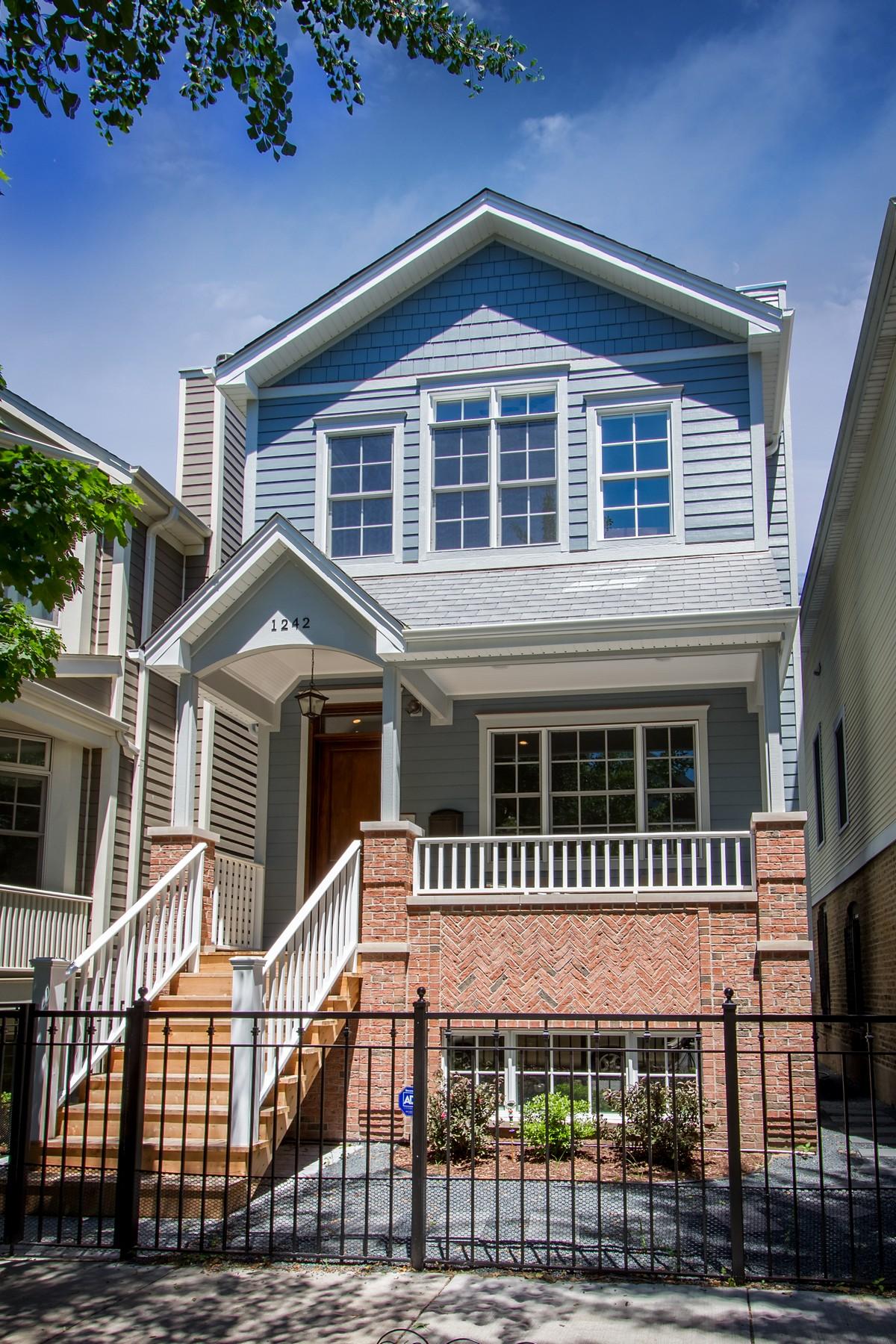 Maison unifamiliale pour l Vente à New Construction 3223 N Hoyne Avenue North Center, Chicago, Illinois 60618 États-Unis