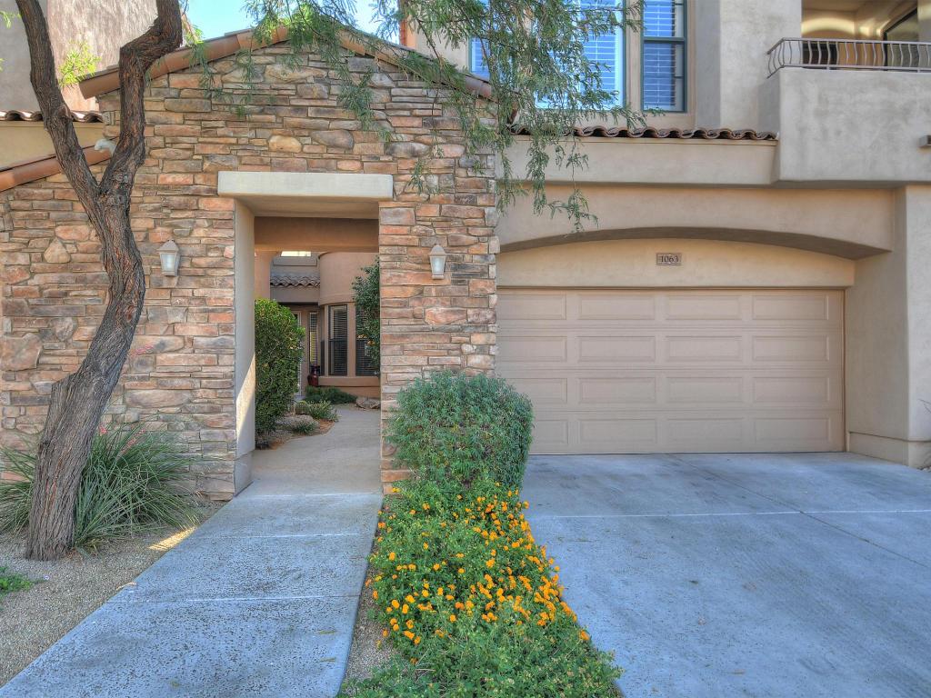 獨棟家庭住宅 為 出售 在 Welcome Home! 19550 N Grayhawk Dr #1063 Scottsdale, 亞利桑那州 85255 美國