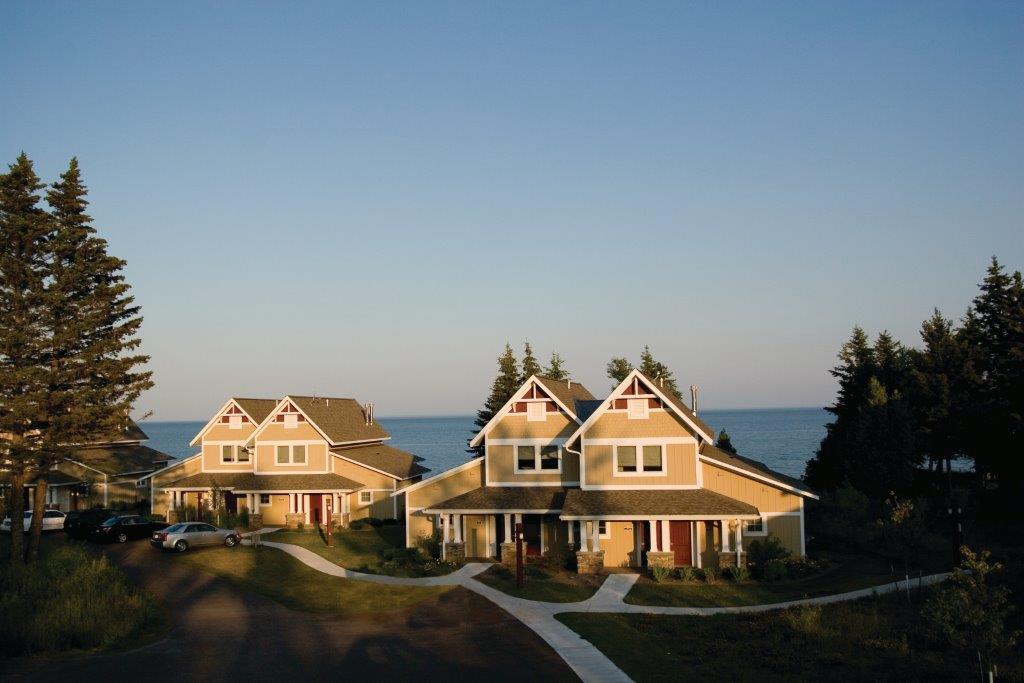 Propriedades individuais para Venda às 596 Larsmont Way #240 Two Harbors, Minnesota 55616 Estados Unidos