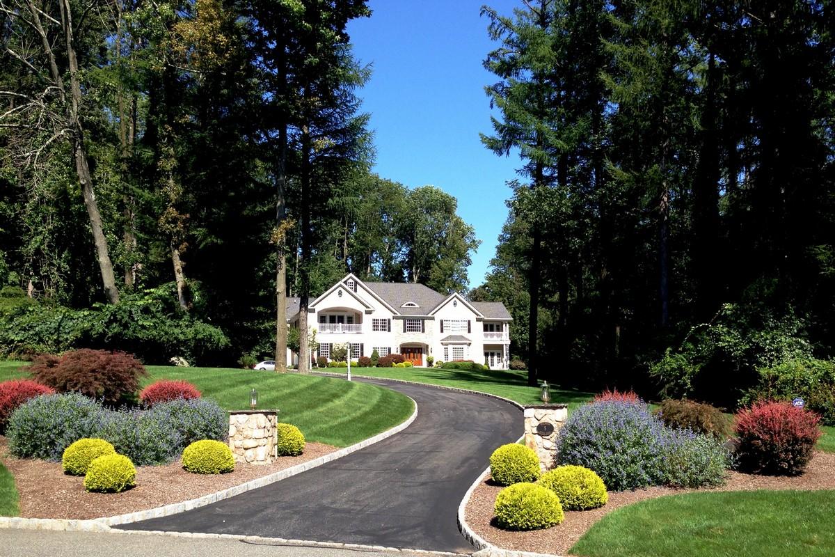 Nhà ở một gia đình vì Bán tại Impeccable Custom Colonial 5 Reservoir Ridge Road Mendham, New Jersey 07945 Hoa Kỳ
