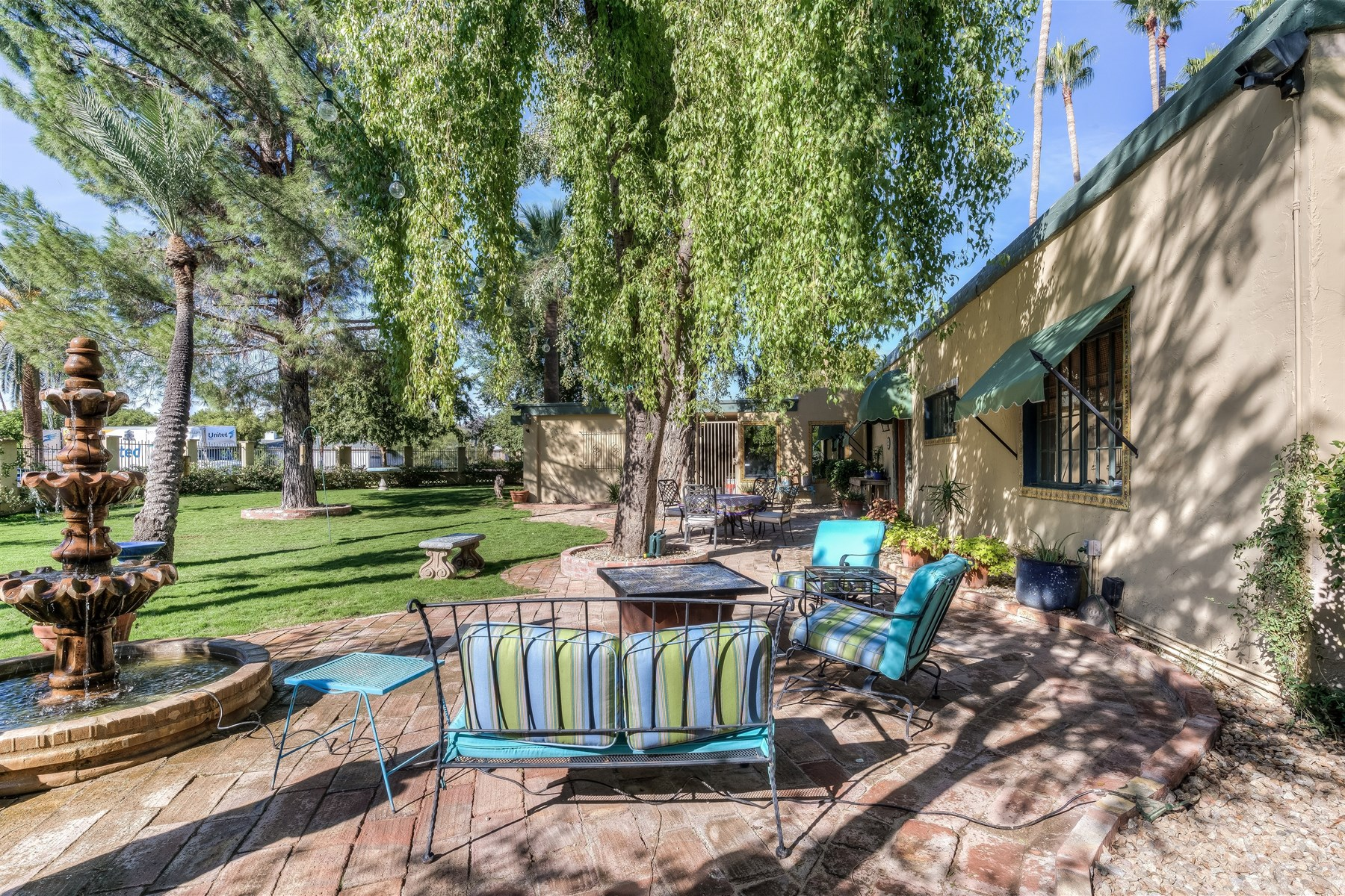 Maison unifamiliale pour l Vente à Robert Evans Adobe Estate 5309 N 34th St Phoenix, Arizona 85018 États-Unis