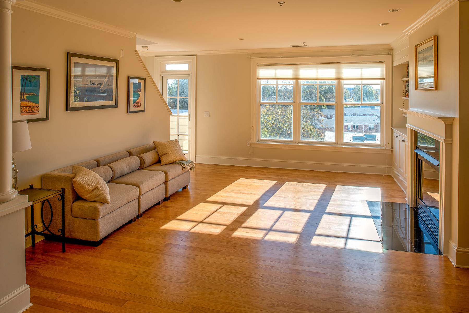 タウンハウス のために 売買 アット Bright and Sunny Luxury Townhouse 39 Intrepid Circle Unit 302 Marblehead, マサチューセッツ, 01945 アメリカ合衆国