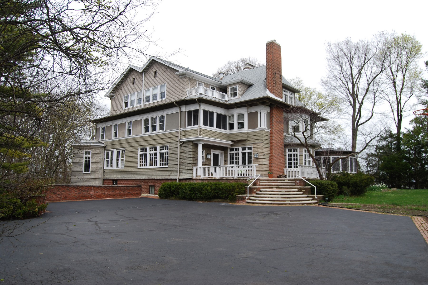 Single Family Home for Sale at Breathtaking Views and Architecture 720 Humboldt Avenue Winnetka, Illinois, 60093 United States