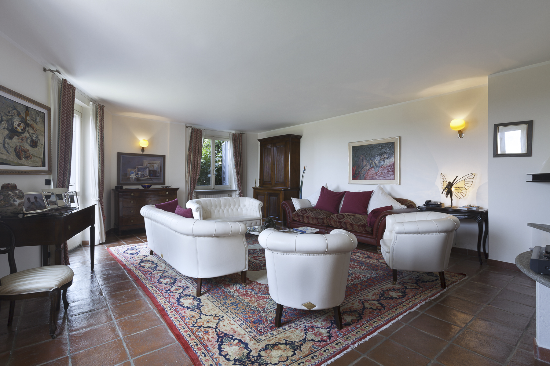 Additional photo for property listing at Detached home with private garden close to Corso Casale Via Monteu da Po Torino, Turin 10132 Italia