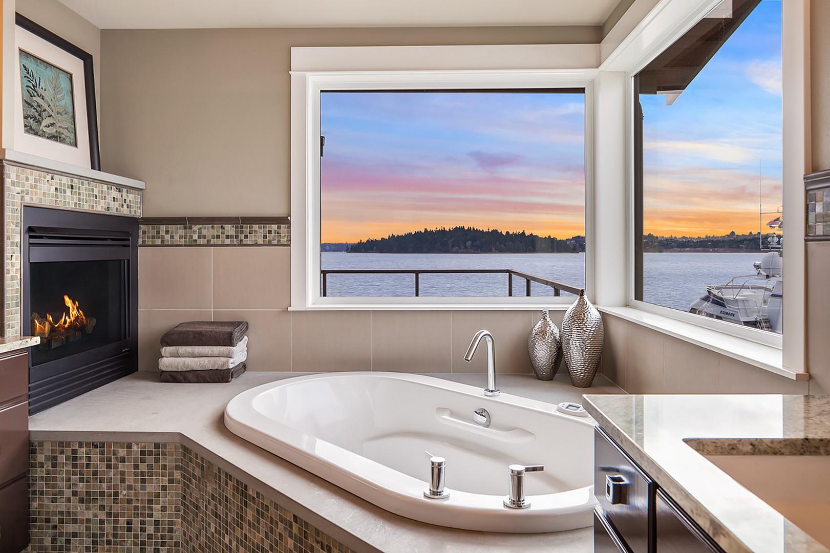 Additional photo for property listing at 3661 West Mercer Wy  Mercer Island, Washington 98040 United States