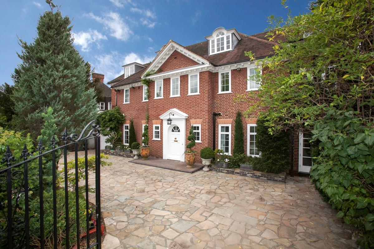 Nhà ở một gia đình vì Bán tại Richmond 28 Roedean Crescent Richmond Other England, Anh Quốc SW155JU Vương Quốc Anh