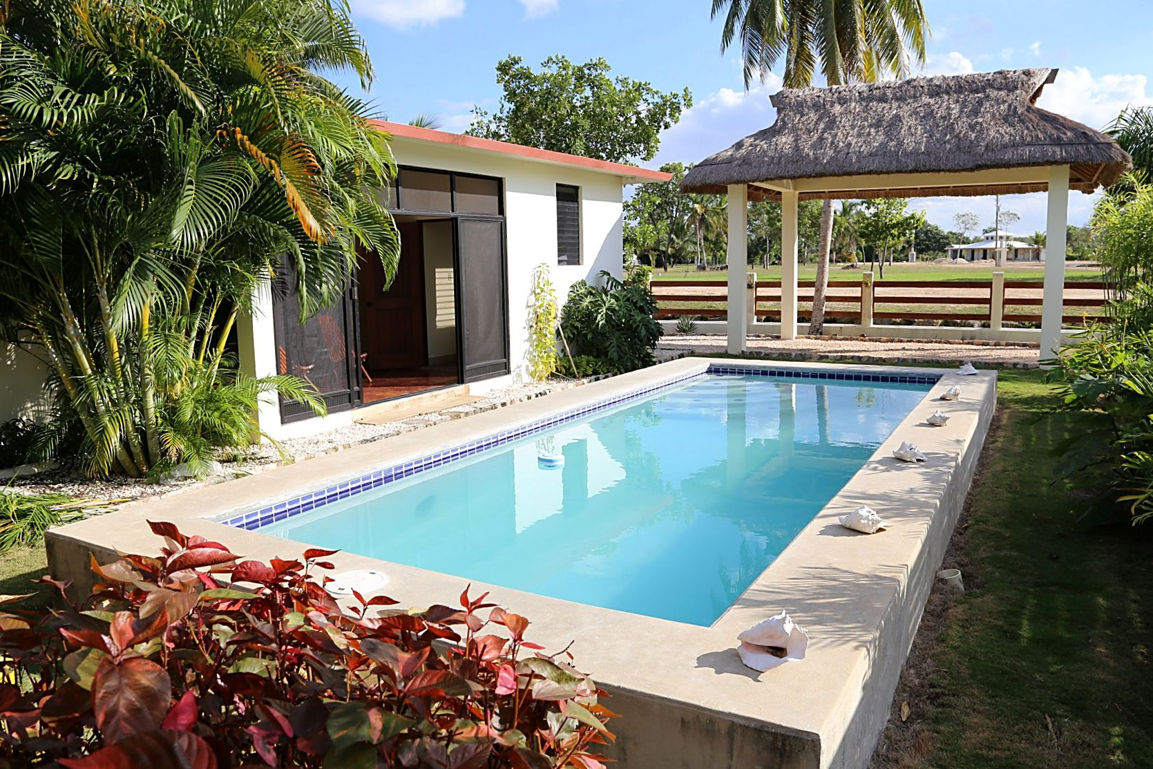 Другая жилая недвижимость для того Продажа на Casa Royale Corozal, Corozal, Белиз